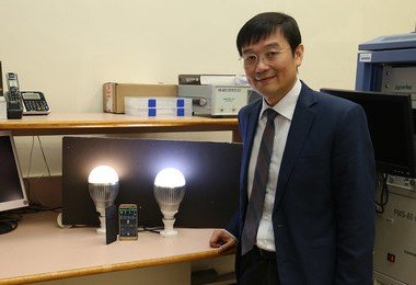HKU Chair of Power Electronics Professor Ron Hui led sustainable lighting systems research brings new LED products and theory breakthrough