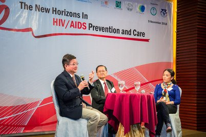 Professor Zhiwei Chen (left) advocating Treatment as Prevention in a Hong Kong Community Forum