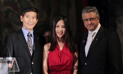 Dr Shuting Hu attended the awarding ceremony of Henry Maso Young Cosmetic Scientist Award in Paris, IFSCC Conference 2014